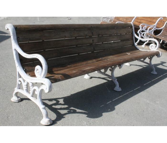 Banco de hierro clásico con madera largo