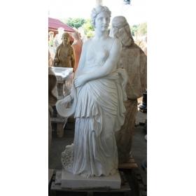 Escultura de mujer de mármol