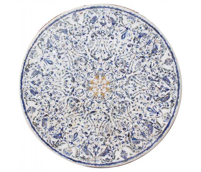 Tablero de mesa redondo con incrustaciones de piedras duras