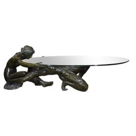 Mesa de centro con pareja desnuda realizada en bronce y cristal.