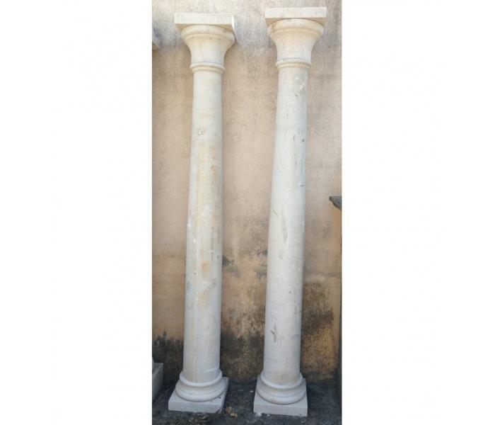 Pareja de columnas de mármol travertino