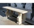 Mesa de piedra arenisca tallada a mano