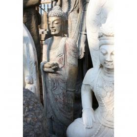 Buda oriental de pie