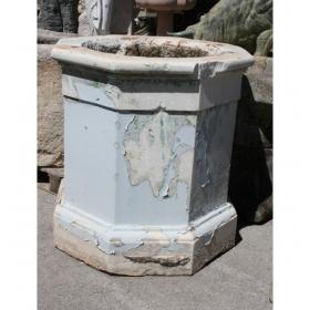 Brocal de pozo antiguo