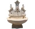 Fuente de pared italiana realizada en piedra y mármol del siglo XVIII
