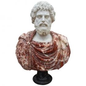Busto de romano tallado en...