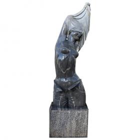Escultura moderna de torso...