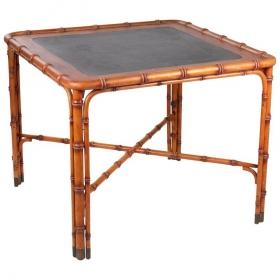 Mesa de madera tallada a...