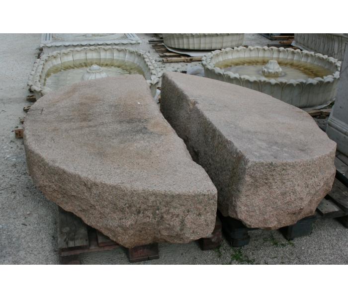 Piedra de molino antigua realizada en...