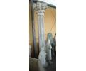 Gran columa clásica de estilo corintio en mármol blanco de carrara